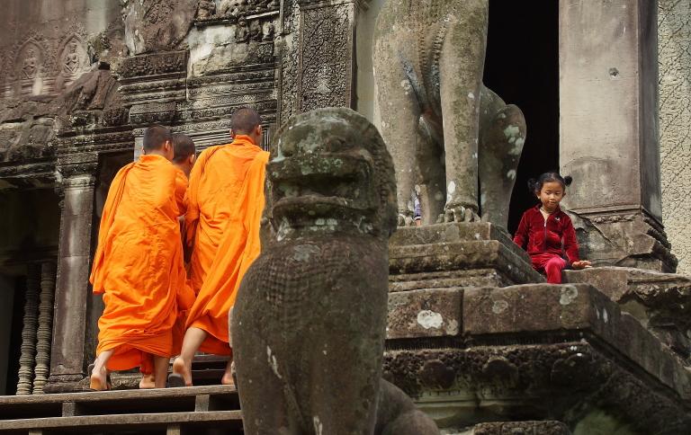 僧侶へのふるまい