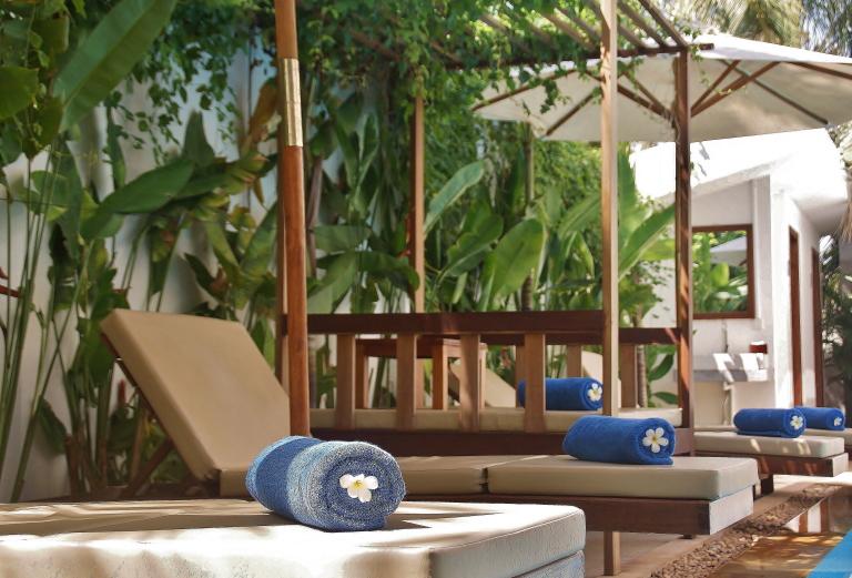 カンボジア おすすめホテル プール