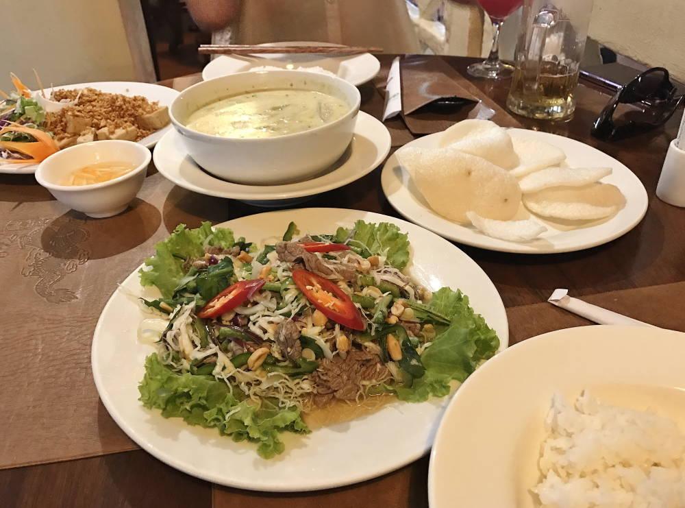 スープドラゴンで夕食