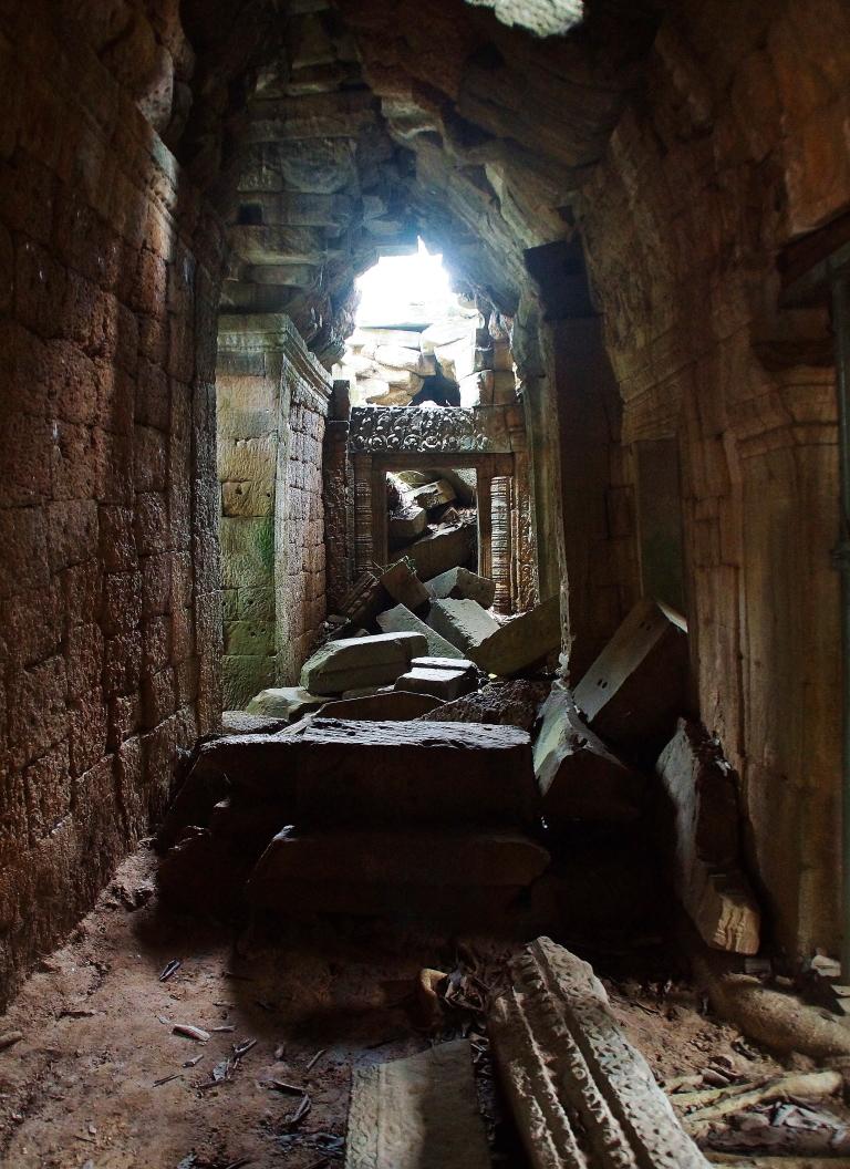 神秘的なタプローム遺跡