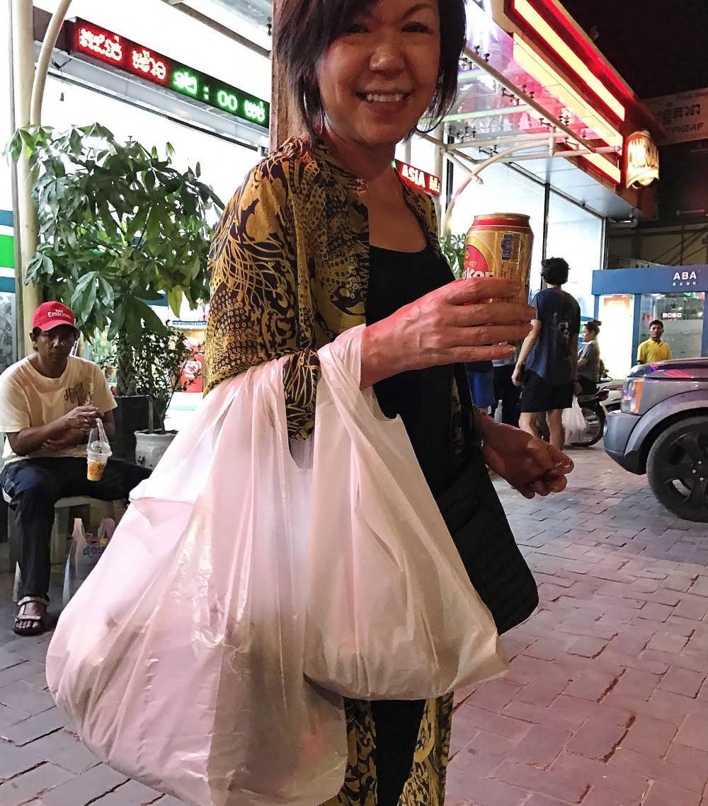 シェムリアップおすすめスーパー アジアマーケットで買い物
