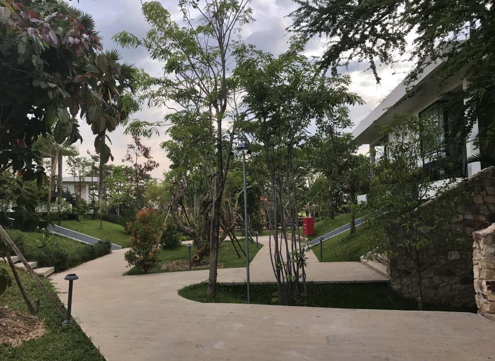 ヒルロックス ホテル シェムリアップのお庭の様子