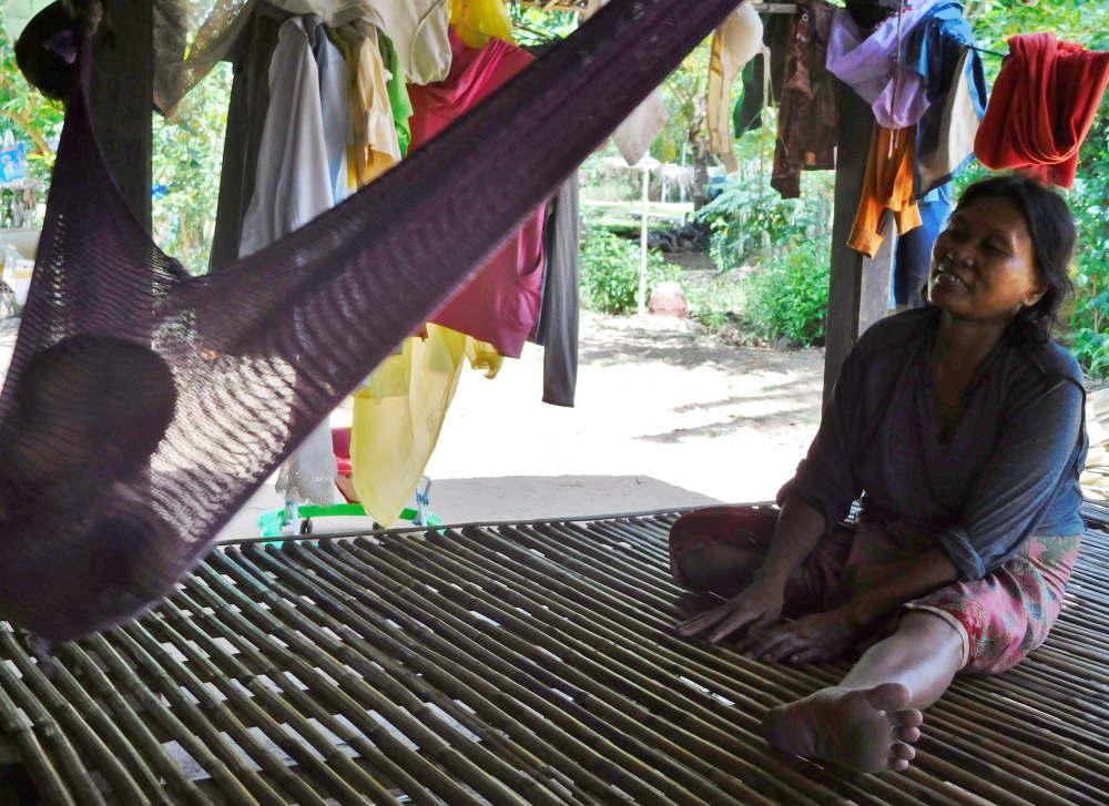 バコン村の子供たち